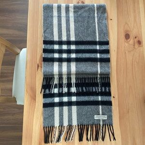 Burberry Cashmere Authentic Scarf